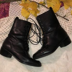 🌹VINTAGE 80's Westbound Lace-up booties🌹